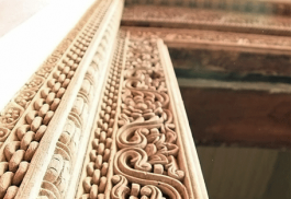 456a_mashariki-palace-hotel_wooden-carvings.jpg