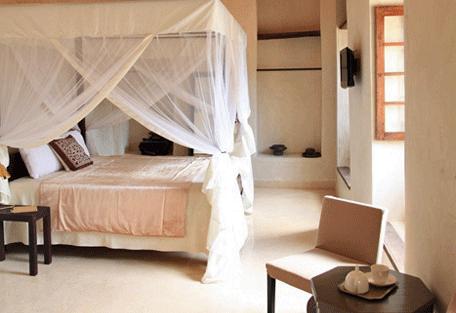 456d_mashariki-palace-hotel_bedroom.jpg
