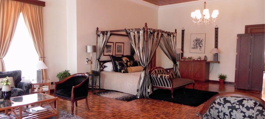 870_houseofwaine_bedroom.jpg