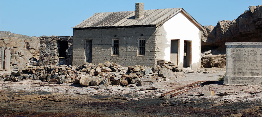 870_luderitz_whalingstation.jpg