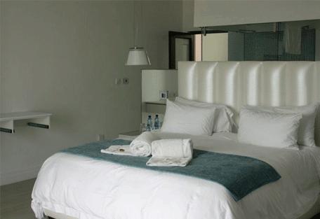 456c_atlantic-villa-guesthouse_bedroom1.jpg