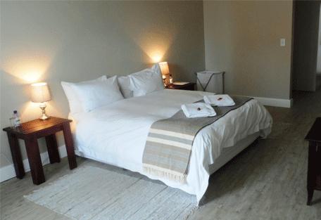 456d_atlantic-villa-guesthouse_bedroom.jpg