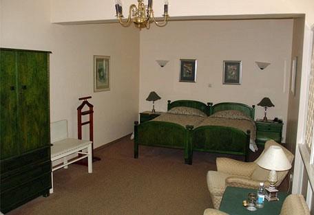 456d_hansahotel_room.jpg