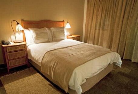 456c_samsgiardino_bedroom.jpg