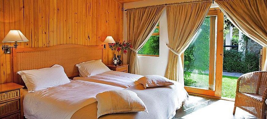 870_samsgiardino_bedroom.jpg