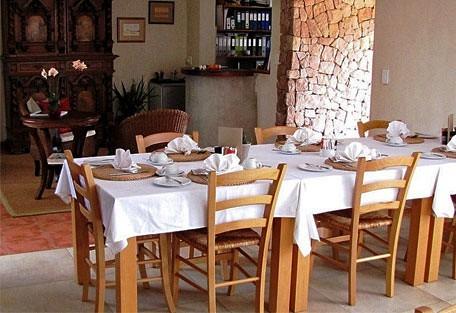 456f_sandfields_dining.jpg