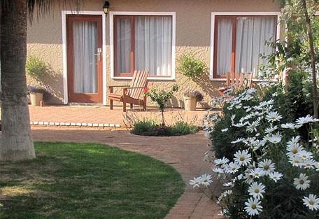 456h_sandfields_garden.jpg