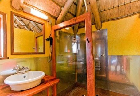 456e_stiltz_bathroom.jpg
