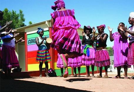 456_windhoek_women.jpg