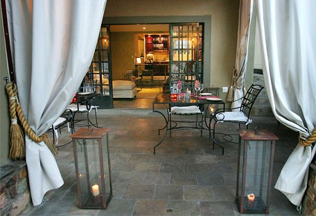 456h_olivegrove_patio.jpg