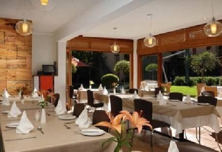 456-3-dining.jpg