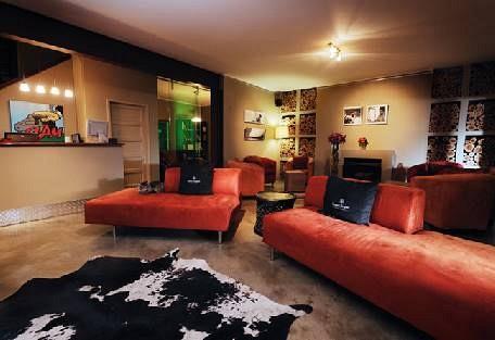 456-4-lounge.jpg