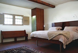 456a_farm-215-nature-retreat_bedroom.jpg