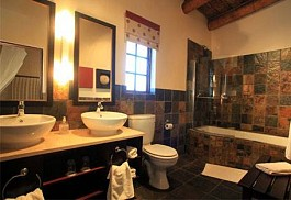sunsafaris-10-the-garden-route-game-lodge.jpg