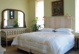 456_colonacastle_bed.jpg