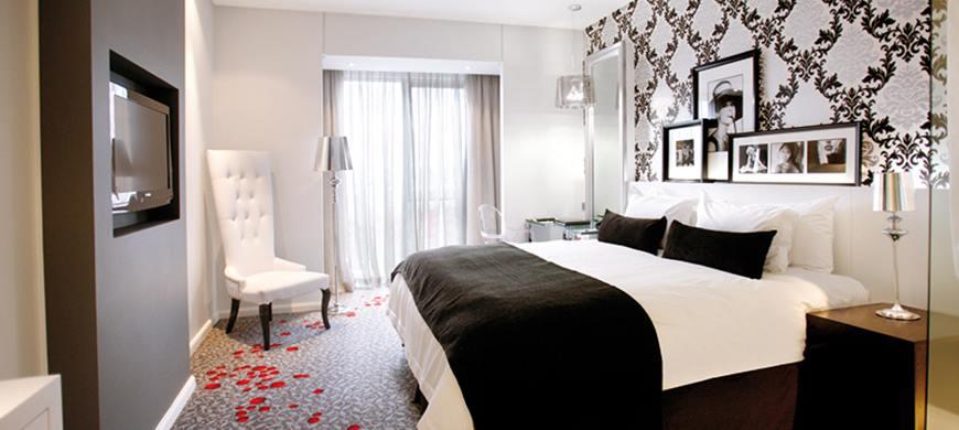 31916265-H1-Standard-Bedroom.jpg