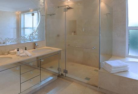 456b_the-clarendon-bantry-bay_bathroom.jpg