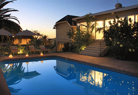456f_the-clarendon-fresnaye-pool.jpg