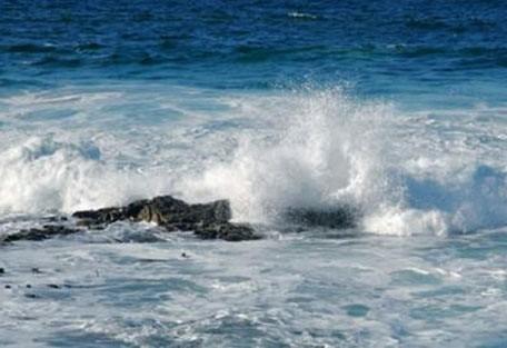 456_whaleroute_waves.jpg
