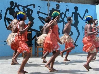 456_arusha_dancing.jpg