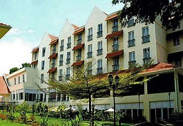 456a_arusha-hotel-with-mt-meru.jpg