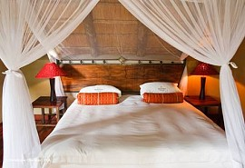 sunsafaris-10-deception-valley-lodge.jpg