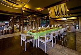 sunsafaris-1-kings-pool-camp.jpg