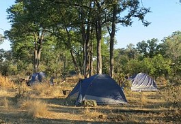 sunsafaris-1-selinda-canoe-camp.jpg