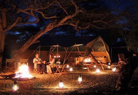 01-camp-site-in-the-evening.jpg