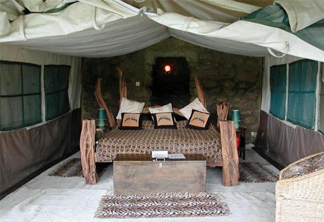 456b_crater-lake-camp_bedroom.jpg