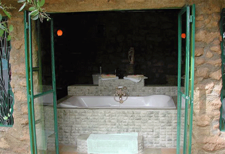 456c_crater-lake-camp_bathroom.jpg