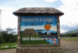 456a_sunbird-lodge_sign.jpg