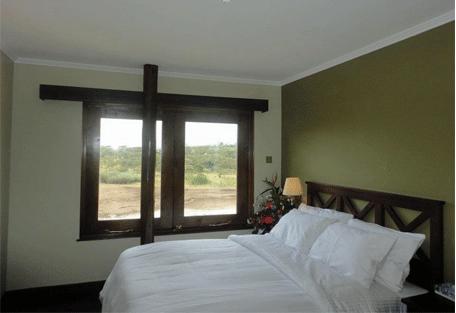 456b_treetops-lodge_bedroom.jpg