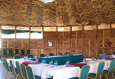 456h_soi-safari-lodge_dining-hall.jpg