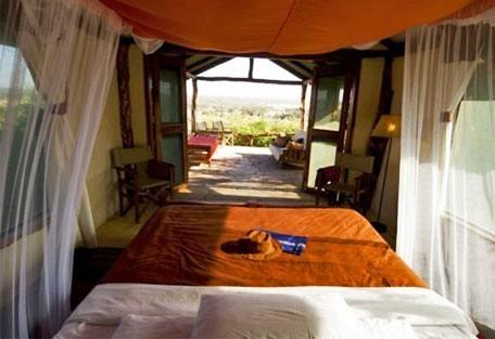 04-tent-interior-double-bed.jpg