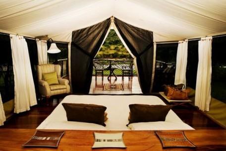 05-tent-interior-double-bed.jpg