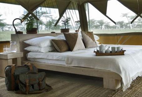 06-tent-interior-bedroom-bu.jpg
