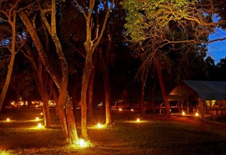 05-evening-in-the-camp.jpg