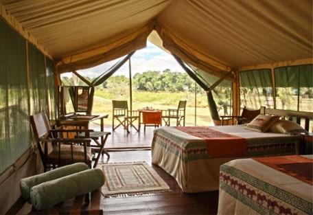 08-guest-tent-interior-twin.jpg