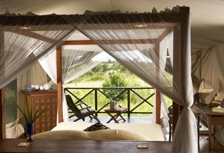 04-honeymoon-tent.jpg