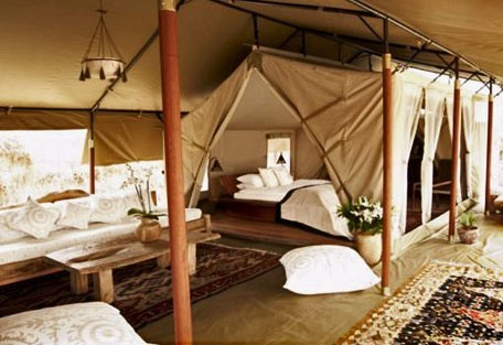 04-guest-tent-interior.jpg