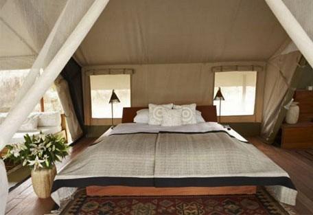 05-guest-tent-interior-doub.jpg