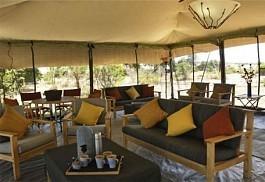 02-lounge.jpg