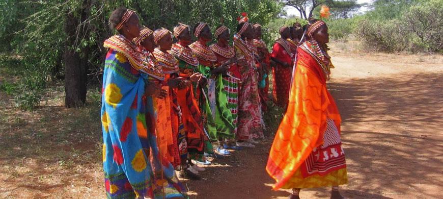 http://assets.sunsafaris.com/sunsafaris/safari/kenya/samburu-national-reserve/samburu-intrepid/wide//a_samburu-women-dance.jpg