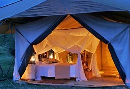 03-guest-tent-exterior.jpg