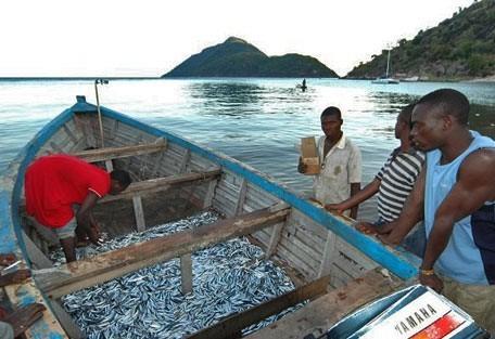 456_lakemalawi_fishermen.jpg
