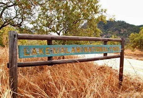 456_lakemalawi_sign.jpg