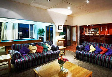 456b_burleyhouse_lounge.jpg