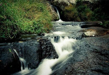 456_zombaplateau_waterfall.jpg