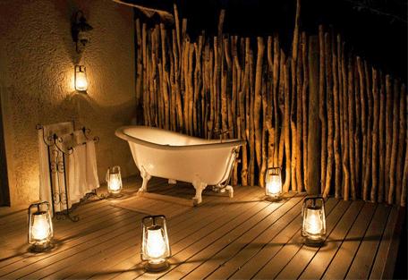 456f_onguma-etosha-aoba-lodge_outdoor-bathroom.jpg